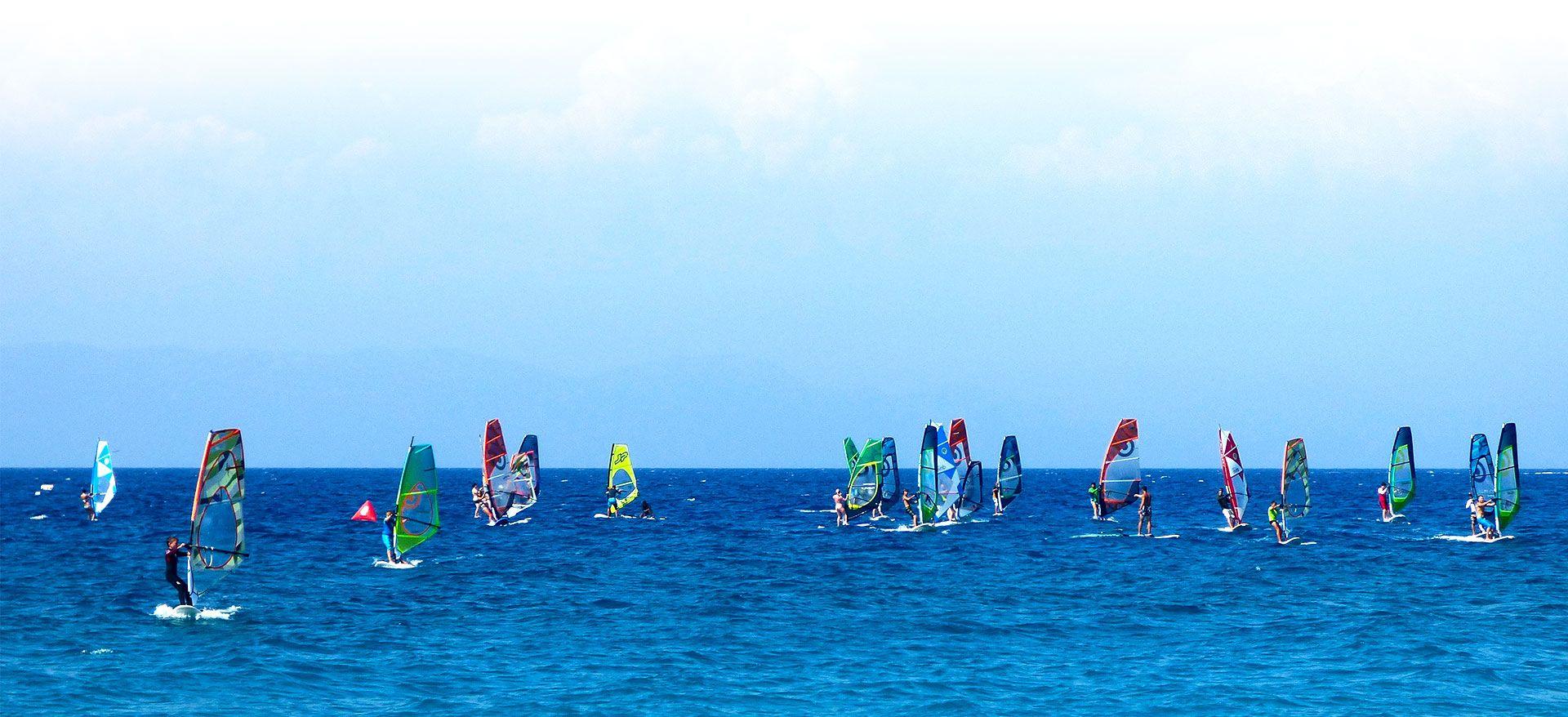 homephoto-surfers—board-sail-windsurfersworld-windsurfing-ixia