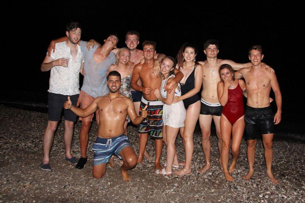 beach-parties-night-windsurfing